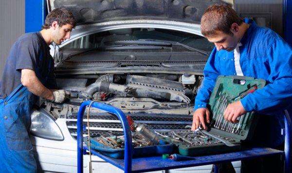 Zakład Mechaniczny, Mechanik Samochodowy Dariusz Pona